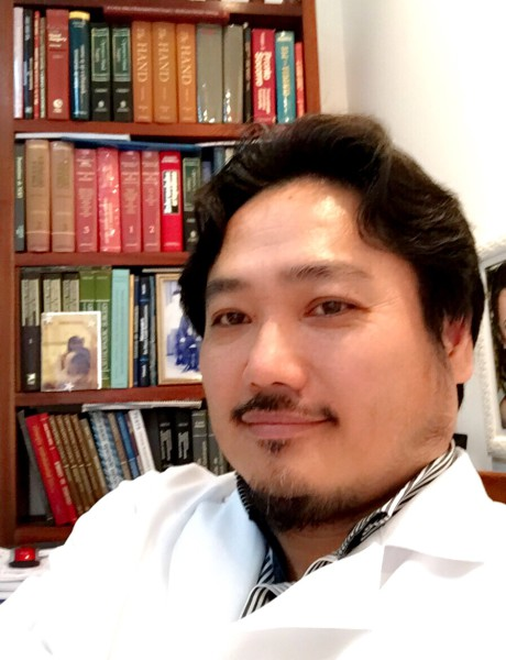 """O acupunturista e ortopedista Edno Tsunaga participa do quadro""""De Bem com o Espelho"""""""