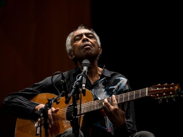 Gilberto Gil durante show com Caetano Veloso na turnê 'Dois amigos, um século de música' em São Paulo, em agosto de 2015 (Foto: Marcelo Brandt/G1)